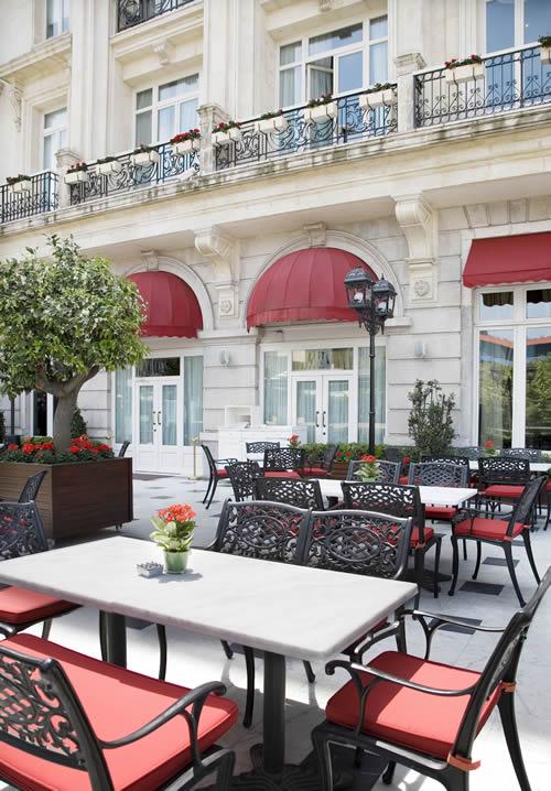 Tatlı Kaçamaklar İçin Orient Terrace