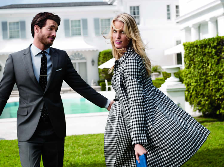 """Anglosakson stili ile yaklaşık 200 yıldır Amerika'da bir efsane haline gelen Brooks Brothers, 01 Temmuz 2015, Çarşamba günü itibariyle 2015 Yaz Kadın, Erkek ve Çocuk Koleksiyonları'nda """"son yaz indirimi"""" fırsatı sunuyor."""