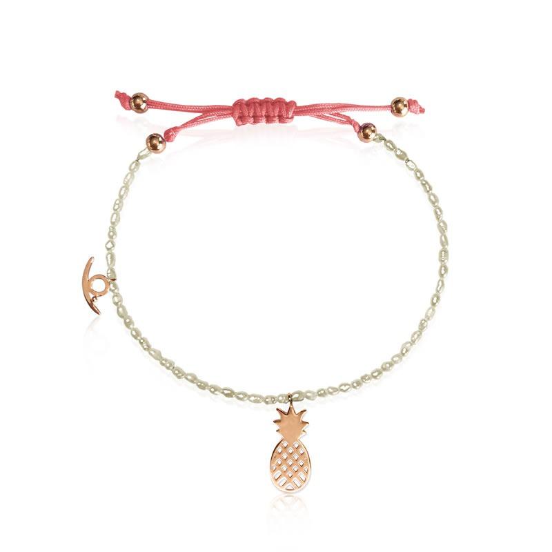Rengarenk bileklikleri, palmiye, kaktüs ve ananas şekilli mini inci detaylı kolyelerle birlikte kullanarak plaj kıyafetlerinizi kombinleyebilirsiniz.