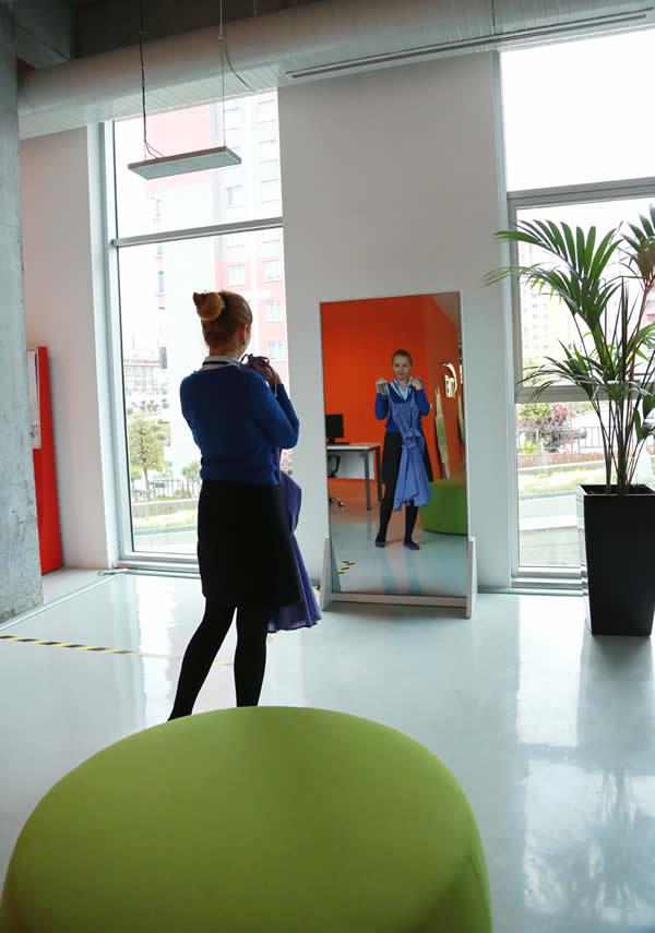 Başakşehir Living-Lab 'de hayata geçirilen proje ile hanımların kombin dertleri sona erecek.