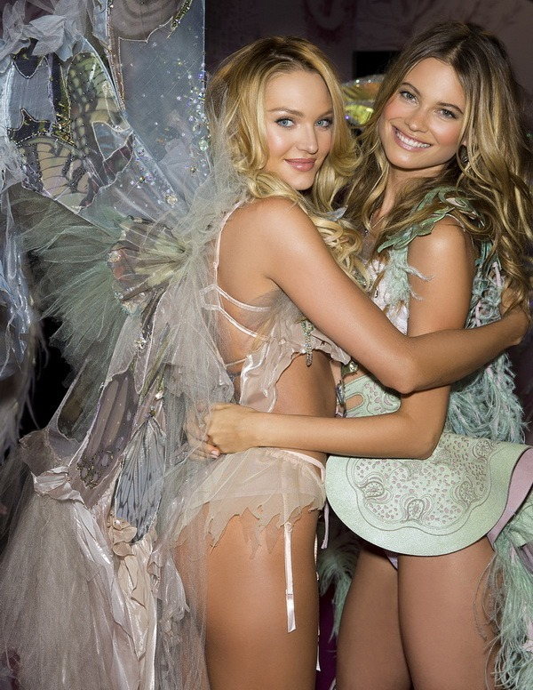 Victoria's Secret'ın her yıl merakla beklenen efsanevi defilesi 8 Aralık salı akşamı Amerikan CBS televizyonunda yayınlanacak.