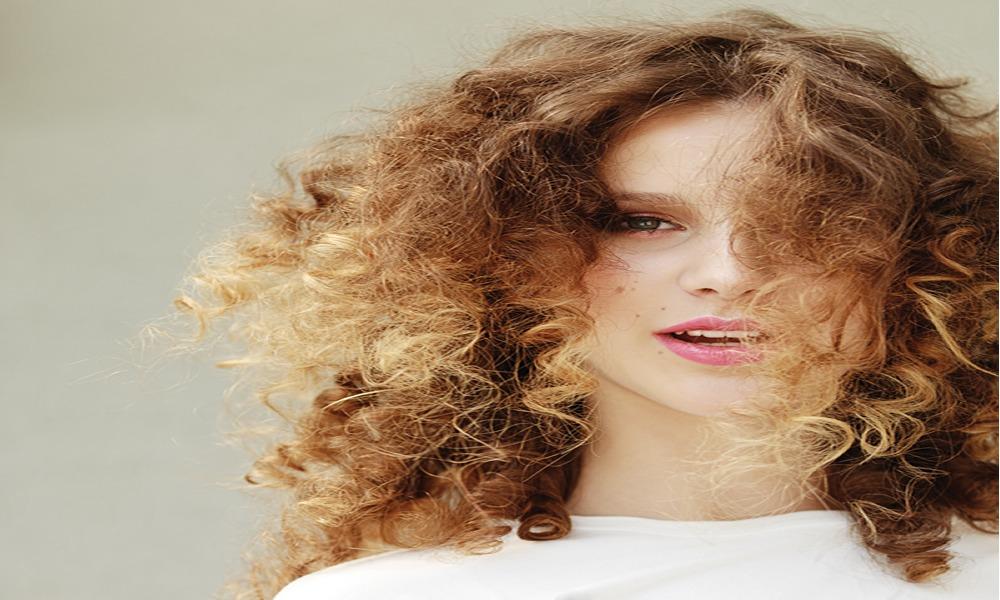 Dağınık Topuz Saç Modelleri
