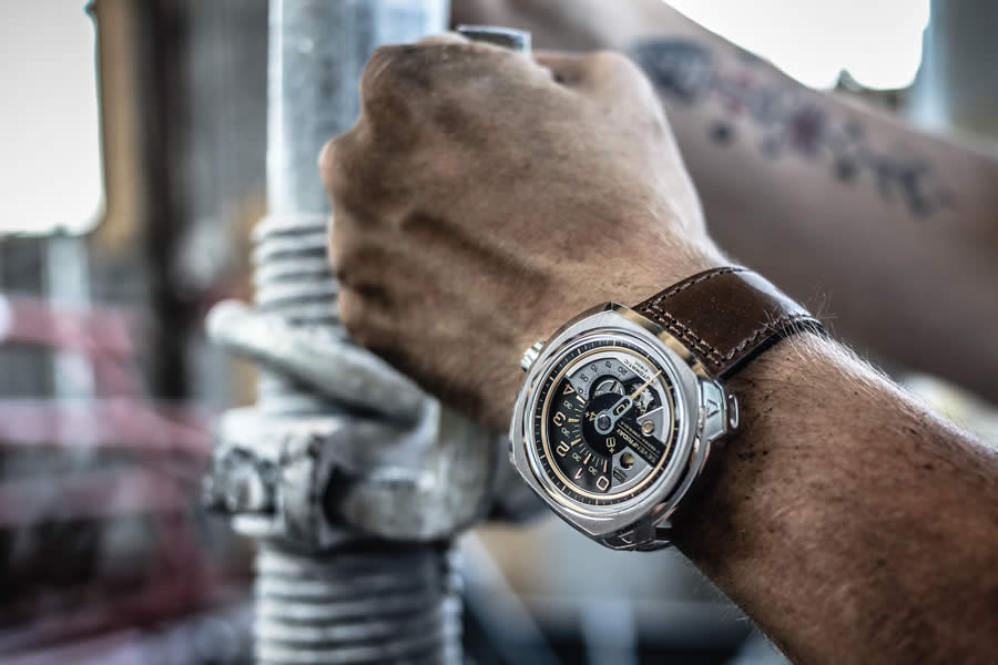 Sportif erkeklerin en özel aksesuarı ; Saatler