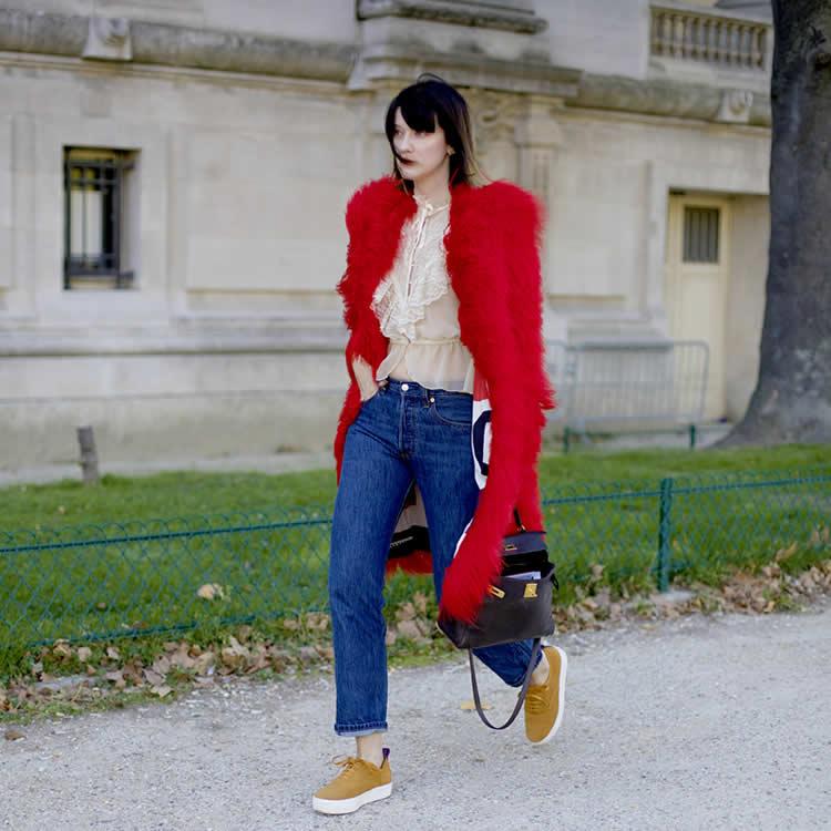 140 yıllık denim geçmişine sahip ikonik marka Levi's®, dünyanın en çok giyilen jean'i 501 ile Paris Moda Haftası'nın gözdesi oldu.