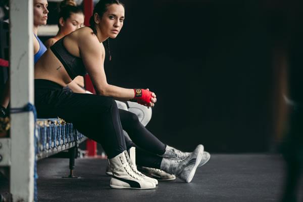 Dünyaca ünlü spor performans giyim markası PUMA, kendine güvenen kadınların ruhunu yansıtan Eskiva'yı beğenilere sunuyor.