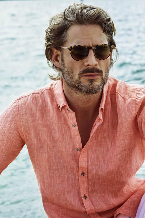 İlkbahar/Yaz kreasyonunda erkek giyim modelleri iddialı desen ve dokunuşlar ile öne çıkıyor !