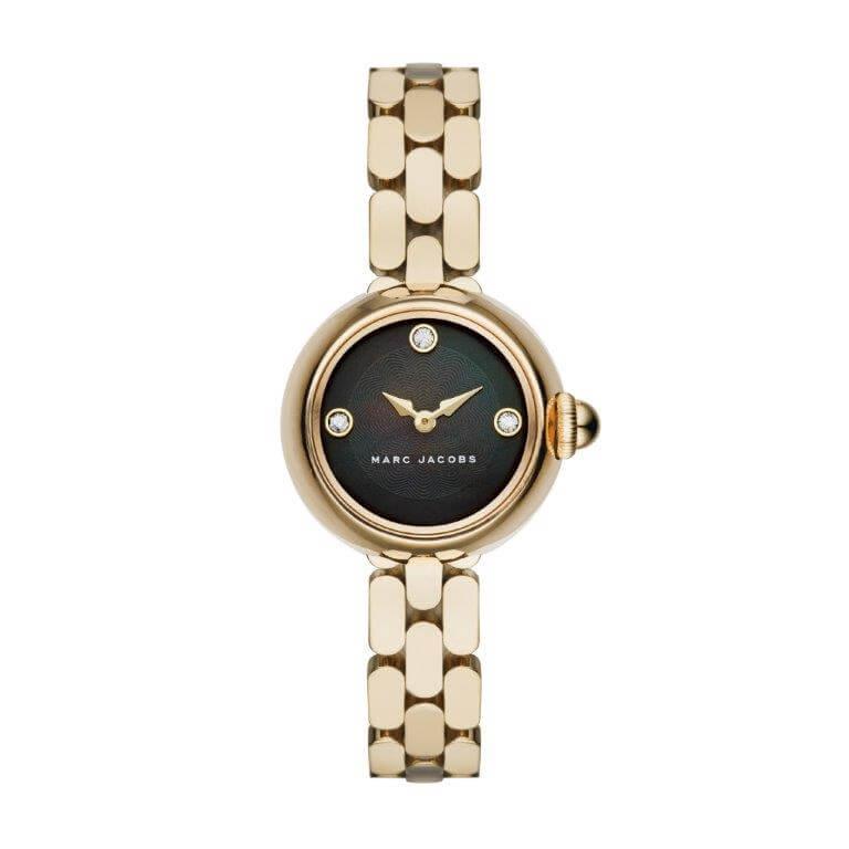 Marc Jacobs markasının unutulmaz, asi ruhlu 60'ların tarzından ilham alarak tasarladığı 2016 Yaz kol saati modelleriyle her zaman olduğu gibi moda ve saat severleri cezbediyor!