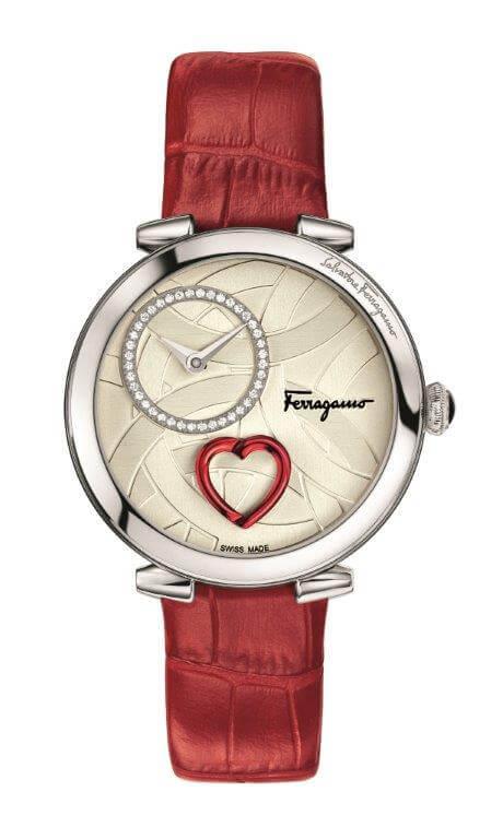 Sevgililer için kaçırılmaz bir fırsat olan Cuore Ferragamo hediyesi ile aşkınızın kalbine giden yol işaret edilmiş.