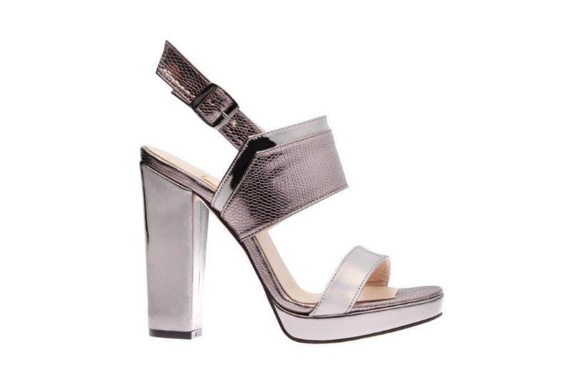 Kadınların Ayakkabı Tutkusu ve 2017 Yaz Kadın Ayakkabı Modası