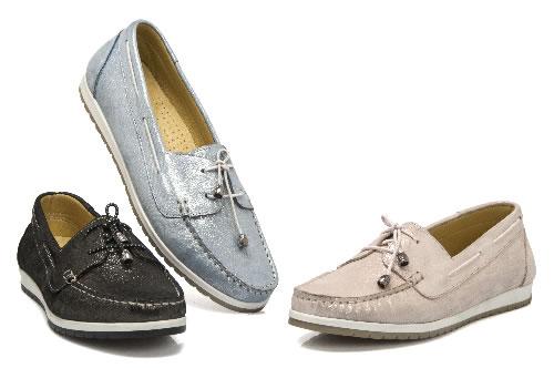 Kadın yaz ayakkabı modelleri için metalik trend.