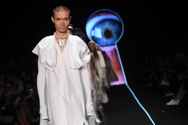 siyah-beyaz ağırlığında koleksiyonlarıyla bilinen moda markası MiiN