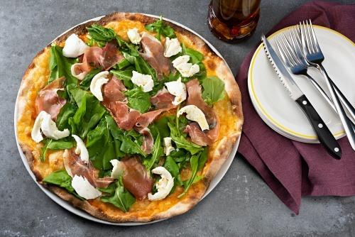 Yemek Önerileri Kısmında Mezzaluna Pizzanın En İddialı Adresi