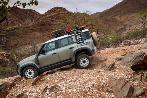 Araba Lastiği Markaları Land Rover Defender Goodyear Wrangler All-Terrain Adventure